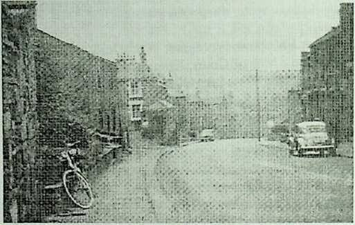 old photo of the Alma  Inn, Coombs Hill, Thornhill