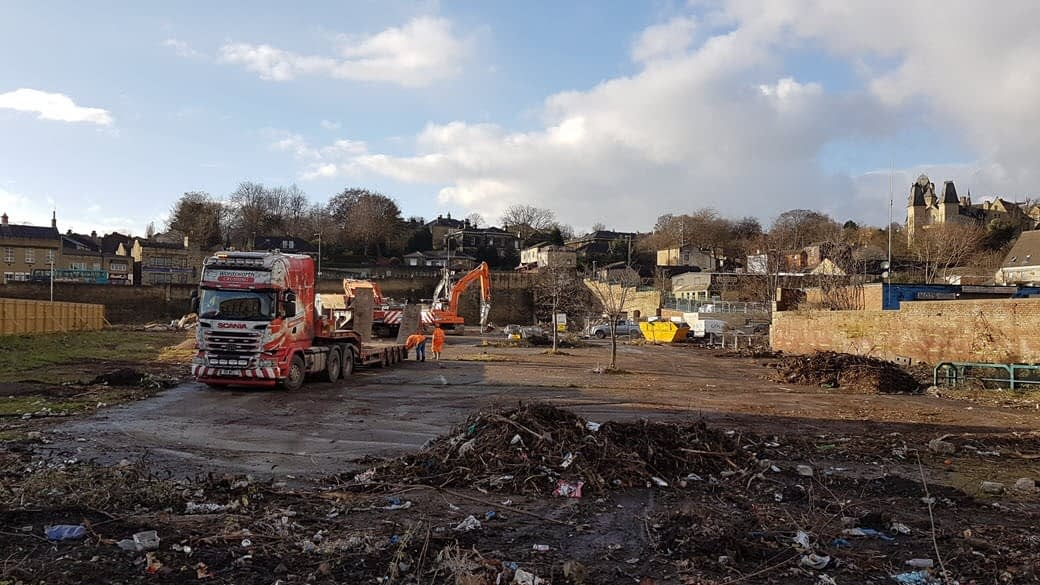 photo of contractors breaking ground for Dewsbury new 16-18 year college