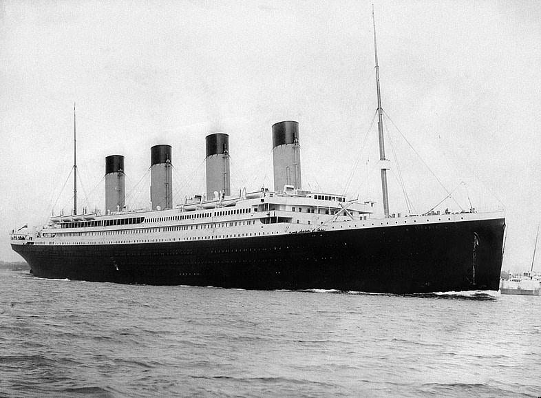 photo of the Titanic that sailed from Southampton on April 10 1912