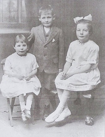 Photo of a young Betty Lockwood with brother and sister